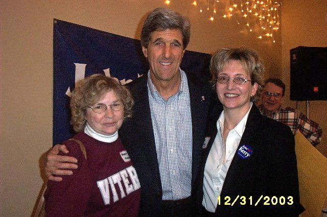 Sen. John Kerry with Hope Thelander and Jody Ewing
